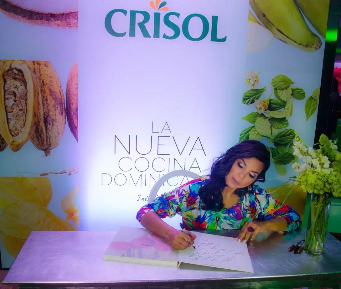 Un nuevo libro la nueva cocina dominicana ensegundos for Coste cocina nueva