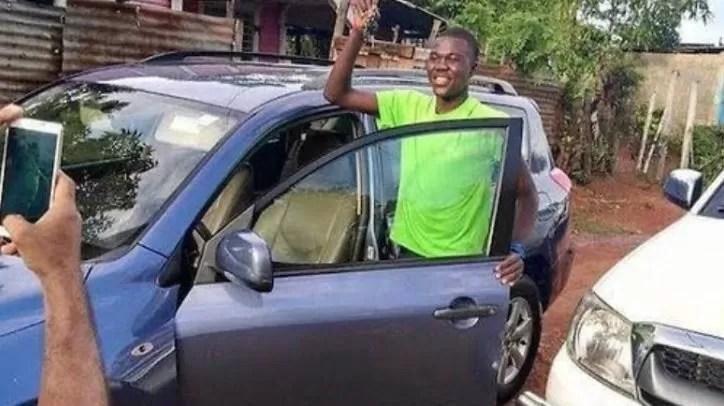 Complacieron petición de Luis Pie, le regalaron un vehículo