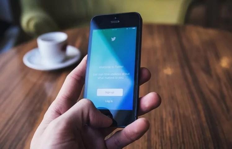 Twitter destacará cuentas notorias y auténticas que respeten sus reglas