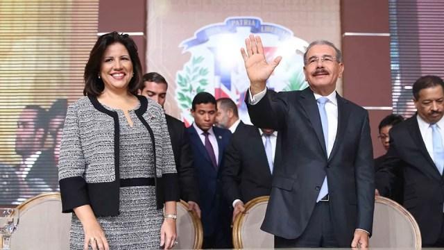 07-07-2016 entrega de certificados a ganadores elecciones 2016 ( junta central Electoral ) Andres Ureña