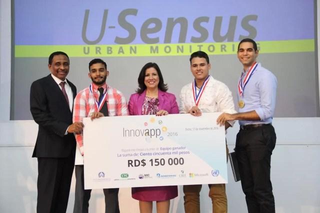 17-11-2016 premio innovapp ( MCF ) Andres Ureña