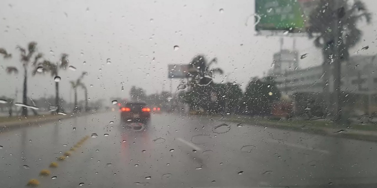 Nublados con aguaceros y tronadas en algunas provincias por vaguada