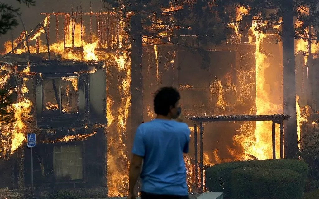 Incendio destruye ocho casas y deja varias familias a la intemperie en Cienfuegos