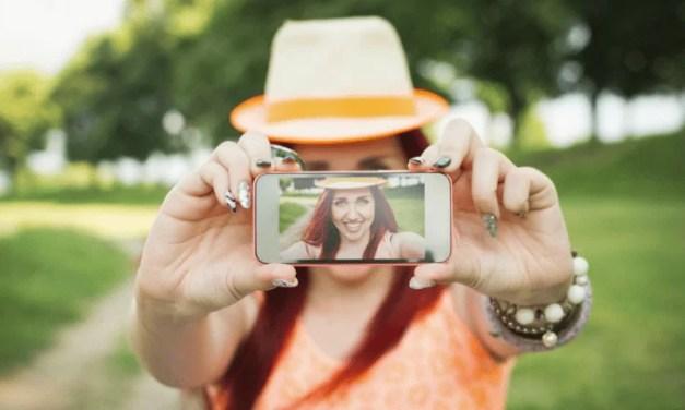 Facebook pediría selfies para comprobar la identidad de sus usuarios