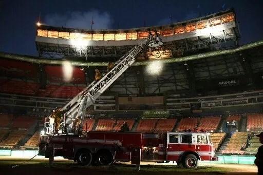 Resultado de imagen para Incendio en Estadio Quisqueya