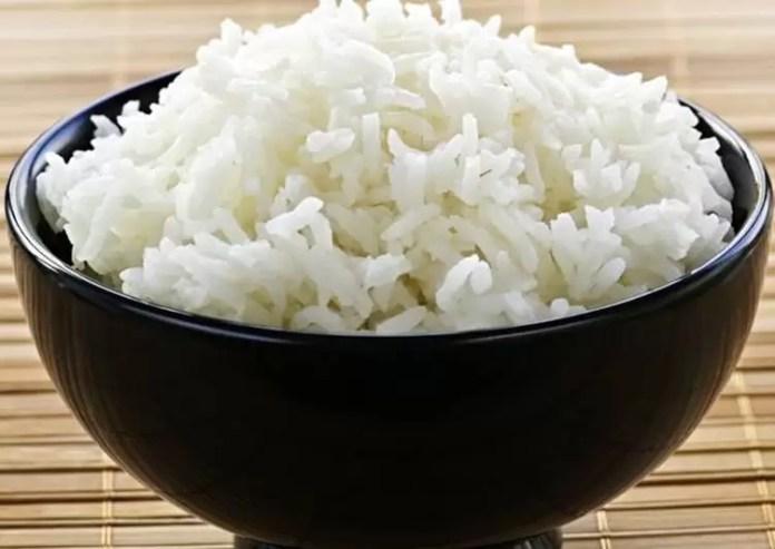 Ocho personas intoxicadas en Azua tras consumir un arroz