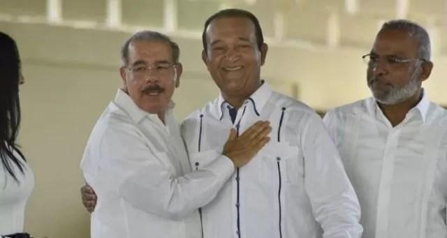 El Presidente Medina inaugura complejo turístico propiedad de Antonio Marte