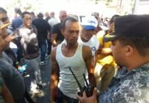 video-al-menos-diez-choferes-heridos-en-santiago-durante-protestas-por-alza-de-combustibles