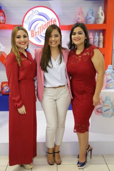 3 - Ayerim Pellerano, Pamela Aguilera y Paola Guzmán