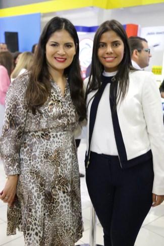 9 - Nancy Alvarado y Michelle Melo