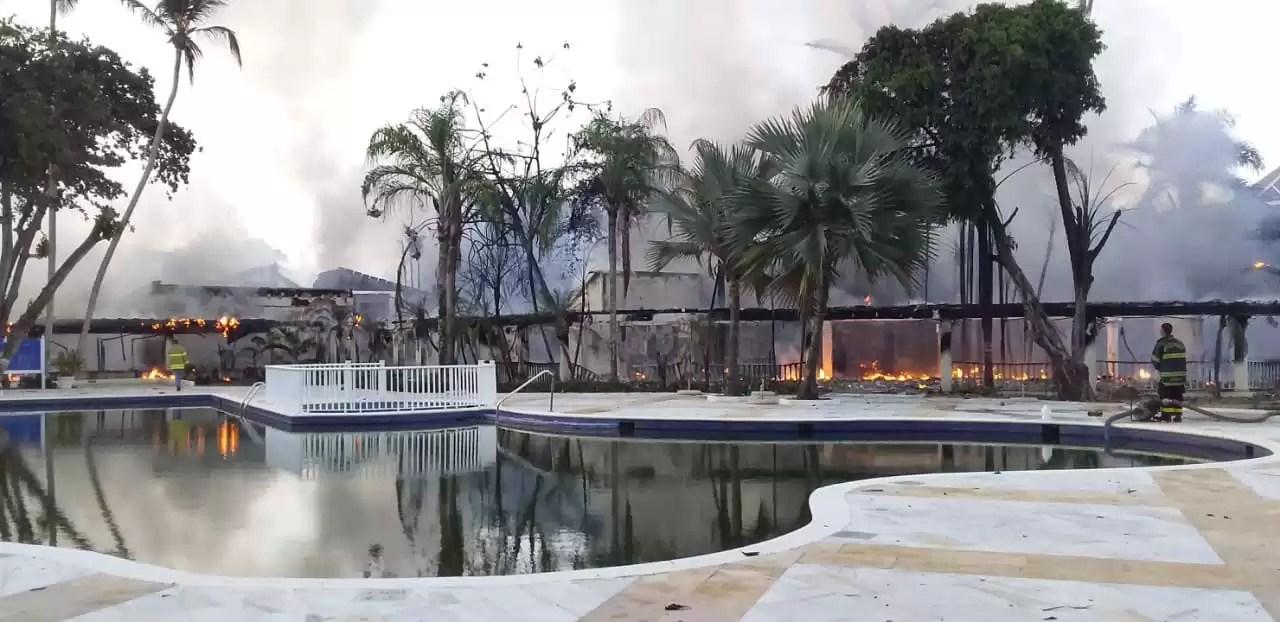 En fotos: Incendio en el hotel Bahía Príncipe en Samaná  