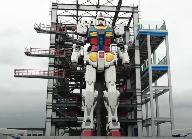 Así se mueve un robot mecha de 20 metros; un Gundam japonés a tamaño real