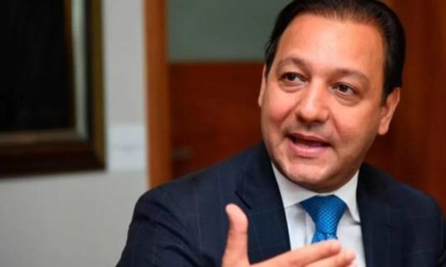 Abel Martínez exige se proteja producción nacional de cerdos y llama a definir plan
