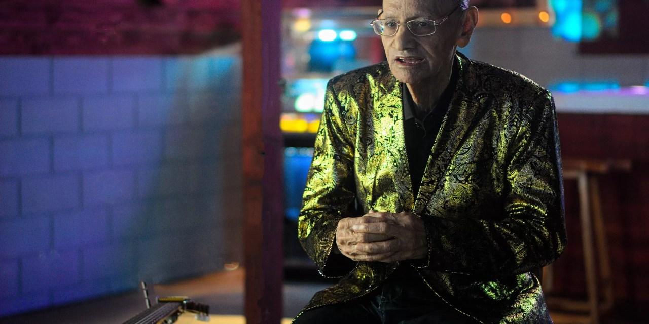 Con 82 años, Luis Segura recibe su primera nominación al Grammy