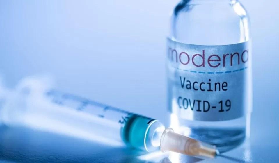 Moderna pide una autorización completa de su vacuna contra el covid-19