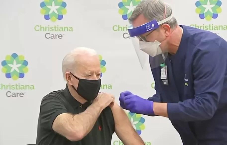 Biden recibió la tercera dosis de la vacuna contra el covid