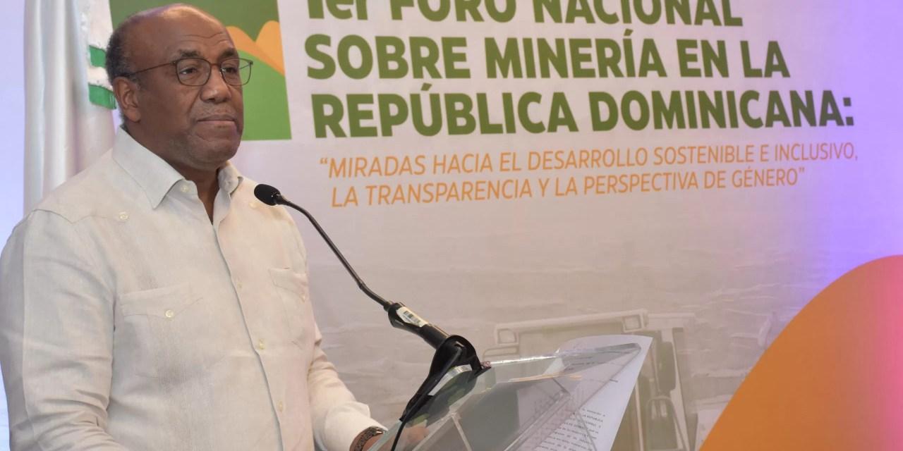 """Almonte: """"Gobierno está comprometido con minería responsable"""""""