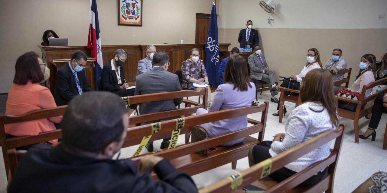 Miriam Germán sostiene encuentro con fiscales de Monseñor Nouel y otras provincias del Cibao