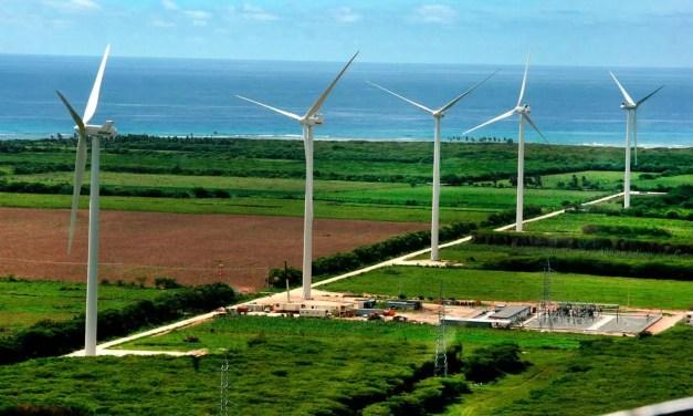 Firman 7 contratos para energías renovables
