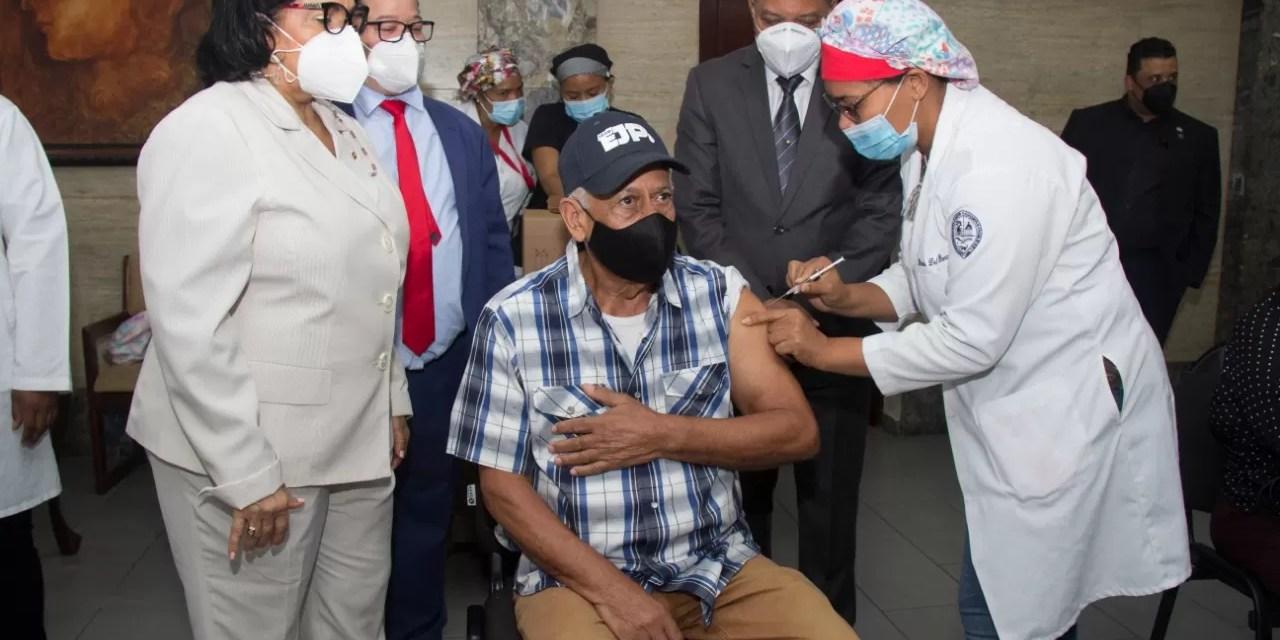 UASD ha vacunado más de 50 mil personas contra covid-19