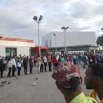 Video – Largas filas hoy en el Metro de Santo Domingo