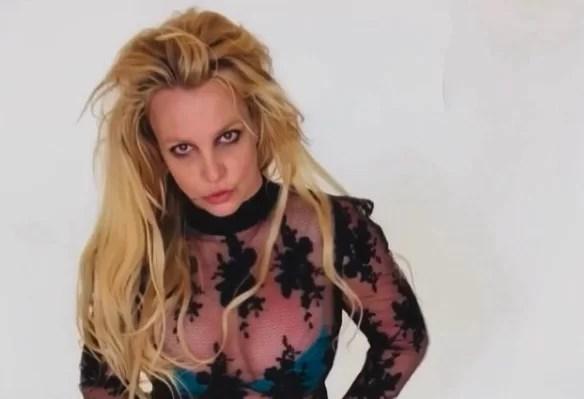El padre de Britney Spears seguirá siendo su tutor, según tribunal de EEUU