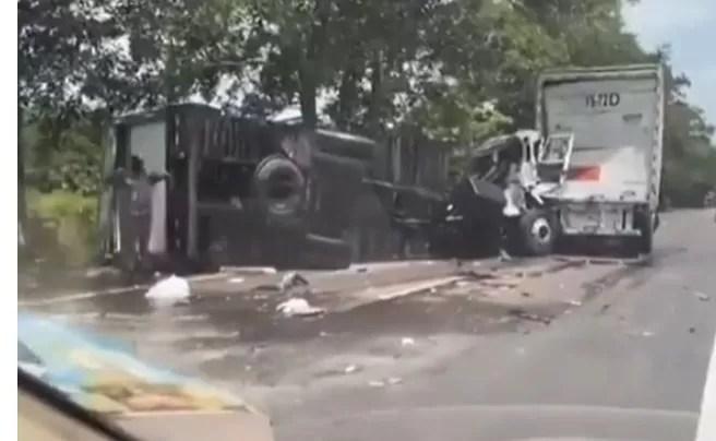 Triple choque en la autopista Duarte deja un fallecido y dos heridos