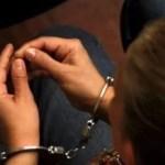 Imponen prisión preventiva en contra de una madre que utilizaba a un niño para mendigar