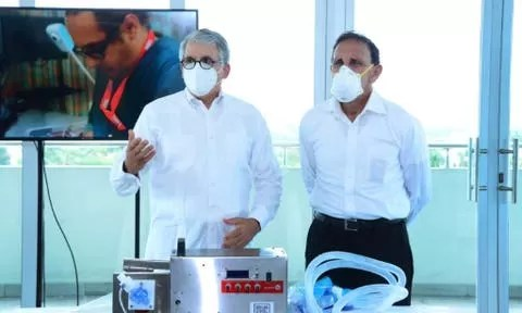 Clínica Cruz Jiminián recibe donación de cuatro ventiladores mecánicos