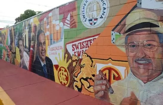 Mural en honor al tabaco en Santiago