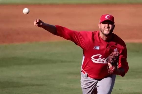 Las Estrellas contratan al lanzador cubano Lázaro Blanco