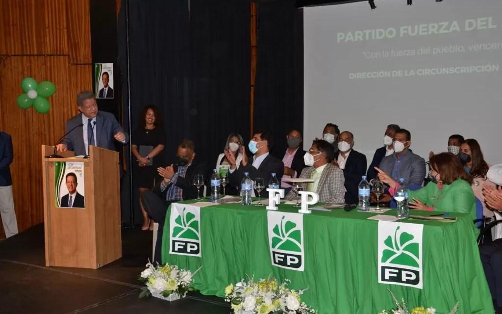 Leonel Fernández se reúne con dirigentes en España