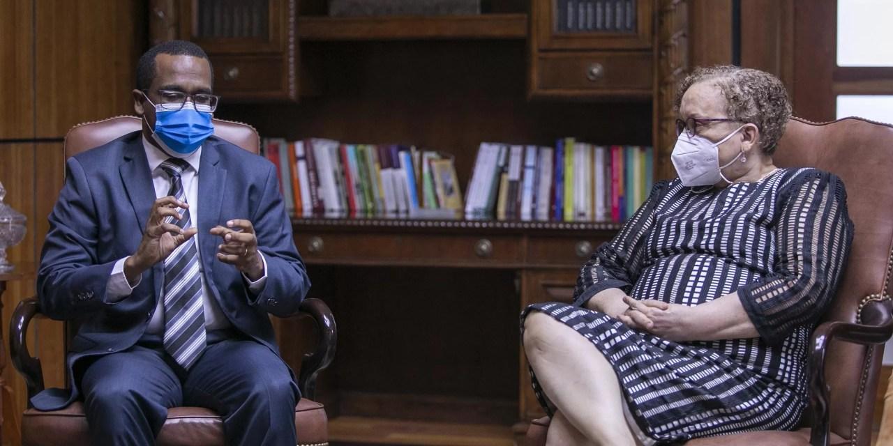 Procuradora General y fiscal de Santiago coordinan acciones contra el crimen organizado