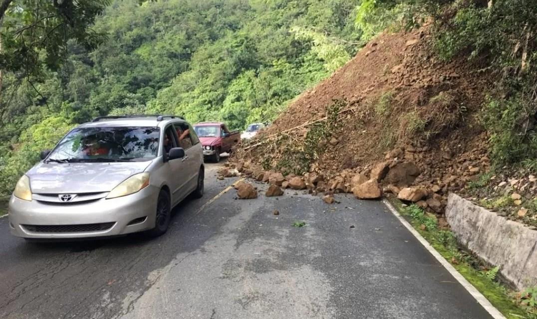 Derrumbe en carretera Casabito-Constanza obliga a transportes de cargas tomar otra vía