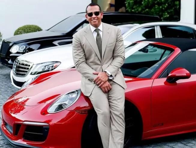 Alex Rodriguez se quedó con el carro deportivo que le regaló a Jennifer Lopez