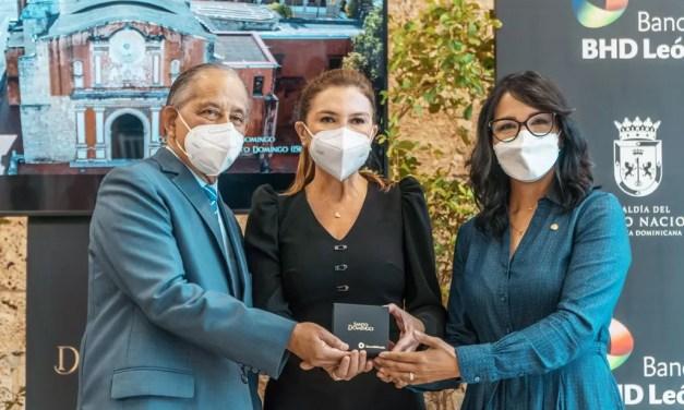 Banco BHD León entrega  documental Santo Domingo a la Alcaldía del Distrito Nacional