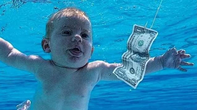 """Bebé de la portada del célebre álbum """"Nevermind"""" demanda a Nirvana por explotación sexual"""