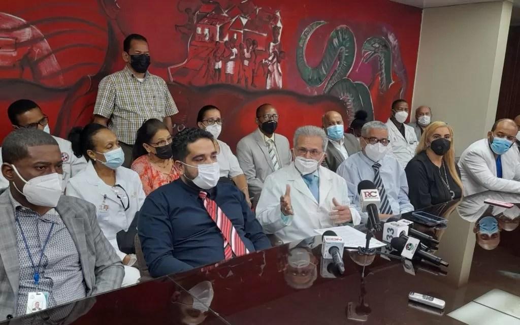 Médicos suspenderán servicios a las ARS en clínicas y hospitales