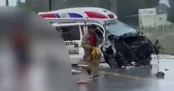 Testigos narran cómo murieron tres personas en accidente con ambulancia en Azua