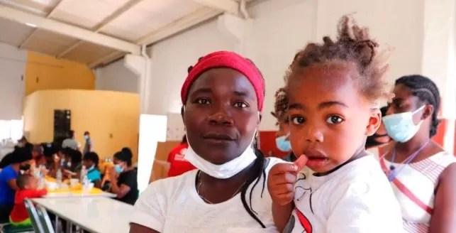México envía a Haití segundo vuelo con migrantes repatriados