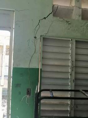 Columnas y Paredes Agrietadas