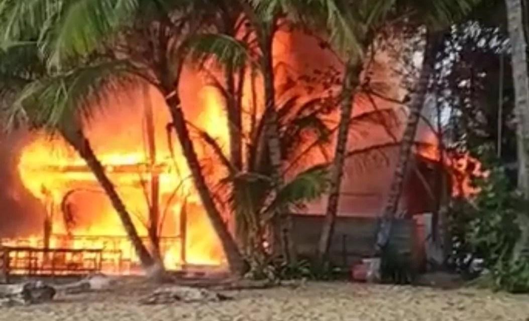 Se incendian bares y restaurantes en el Pueblo de los Pescadores