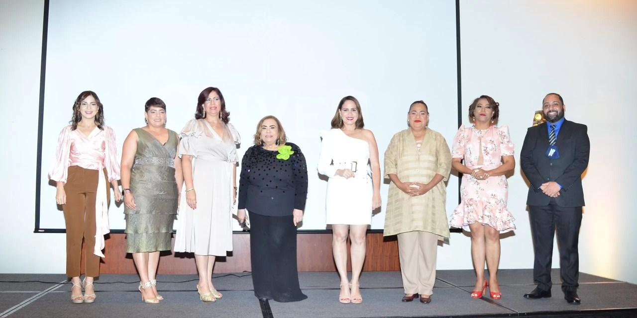 Asociación Dominicana de Cronistas Sociales juramenta a  Mirna Pimentel