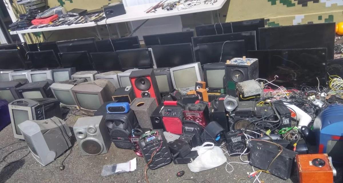 Ocupan decenas de objetos no autorizados en la Fortaleza Juana Núñez, en Salcedo