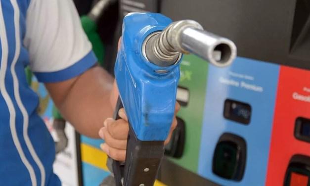 Aumenta 3 pesos el galón de gasolina regular