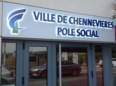 DOYEN ENSEIGNE CHENNEVIERES POLES SOCIAL 2