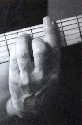 """Position de l'index avec les autres doigts pour l'article """"Les Accords Barrés À La Guitare"""""""