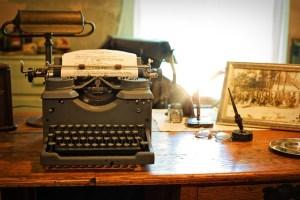 typewriter-2095754_640