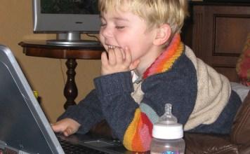 MEngawasi anak menggunakan Internet