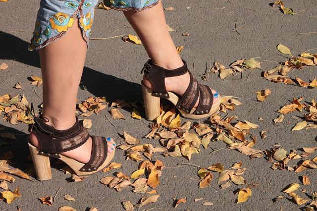 Bahaya Sepatu High Heels, efek sepatu high heels